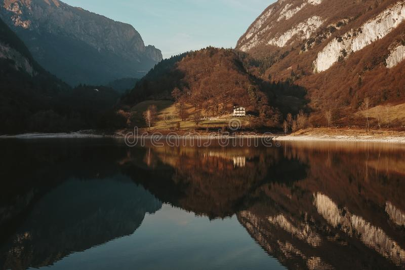 Bezinning over het meer