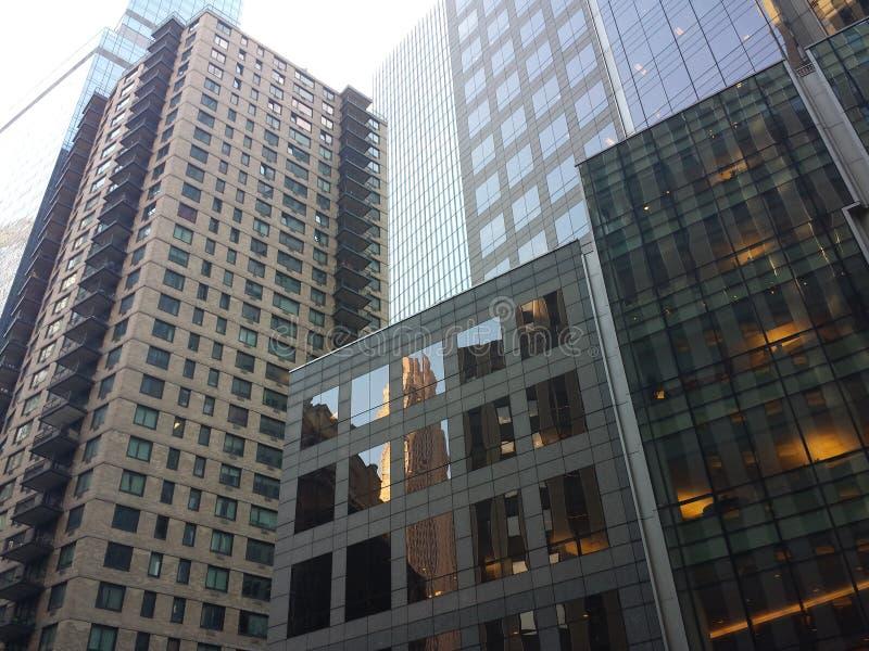 Bezinning van een nycgebouw royalty-vrije stock foto's