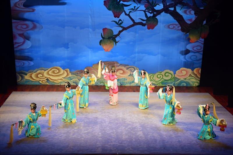 """BEZIRK, CHINA – CIRCA IM JULI 2019: Peking-Opernleistung von """"Affe-König Making Havoc im Himmel"""" lizenzfreie stockbilder"""