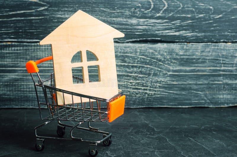 Bezitsinvestering en het financiële concept van de huishypotheek buying royalty-vrije stock afbeeldingen