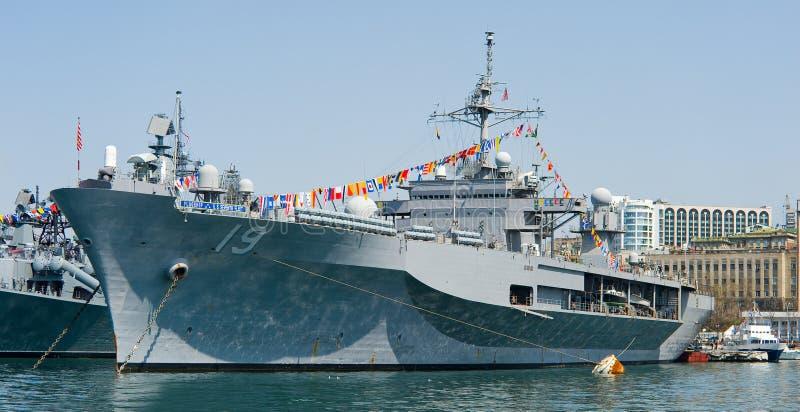 Bezoek van vlaggeschip van de de marine het 7de Vloot van de V.S. in Rusland Vladivostok royalty-vrije stock fotografie
