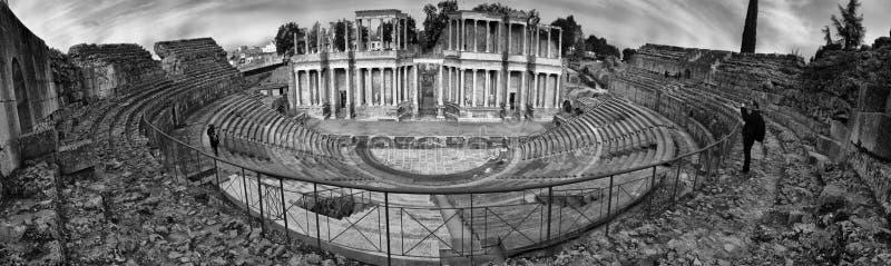 Bezoeker die beelden nemen aan Roman Theatre van Merida, Spanje royalty-vrije stock afbeelding