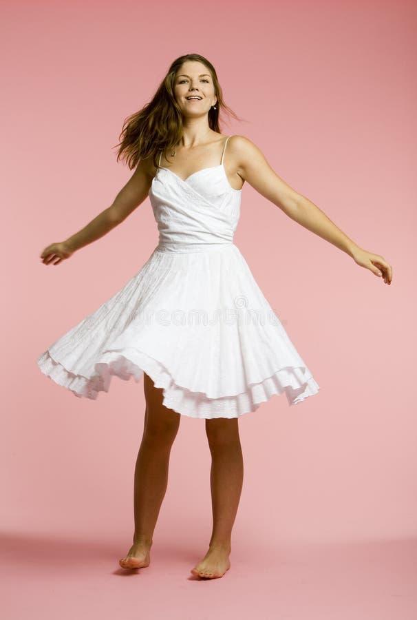 Bezpłatna dancingowa dziewczyna obraz royalty free