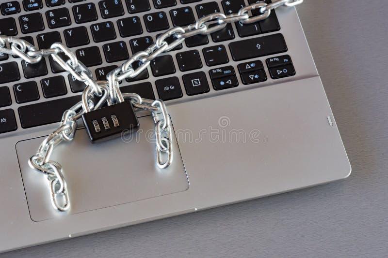 Bezpieczeństwo danych w obliczać i komunikacjach obrazy royalty free