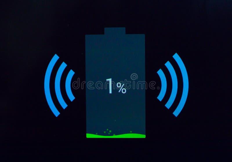 Bezprzewodowy ładować telefonu znak obraz royalty free