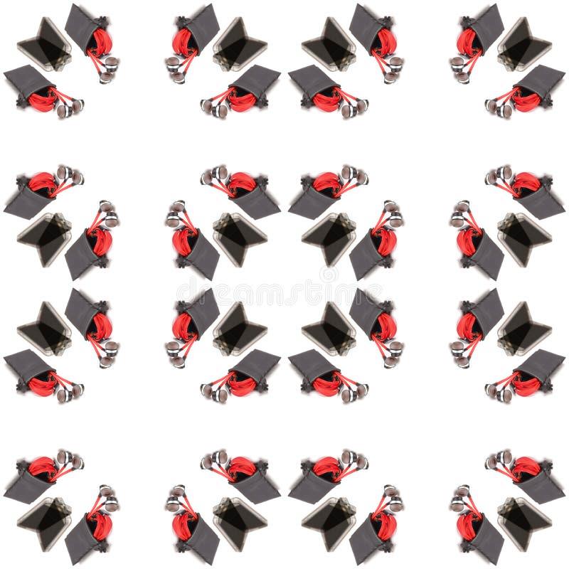 Bezszwowa czerwona słuchawka i czarna torba odizolowywający na białym tle, abstrakta wzór royalty ilustracja