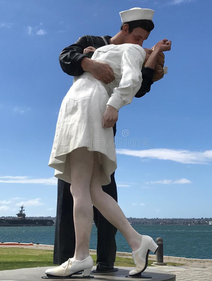 Bezwarunkowy poddanie całowanie żeglarza statua San Diego obraz royalty free
