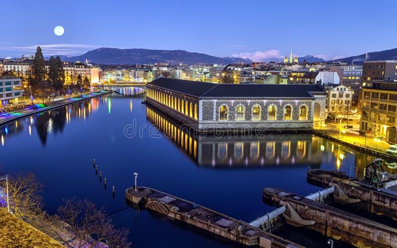 BFM, tour de cathédrale et Rhône, Genève photo stock