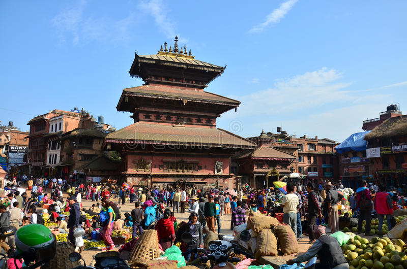 Download Bhaktapur Durbar Square Market For Tour And Shopping Editorial Stock Image - Image: 43747644