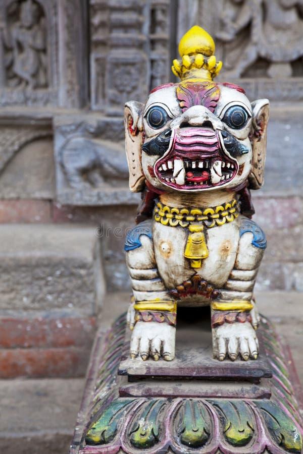 bhaktapur lew mityczny Nepal zdjęcia stock