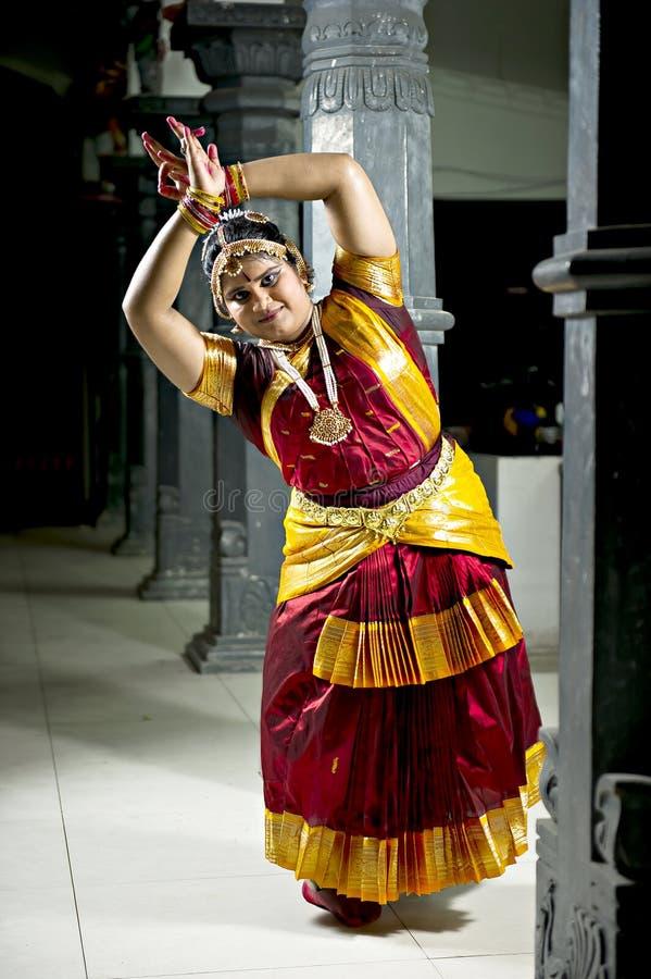 Download Bharatanatyam immagine stock editoriale. Immagine di indù - 30829494