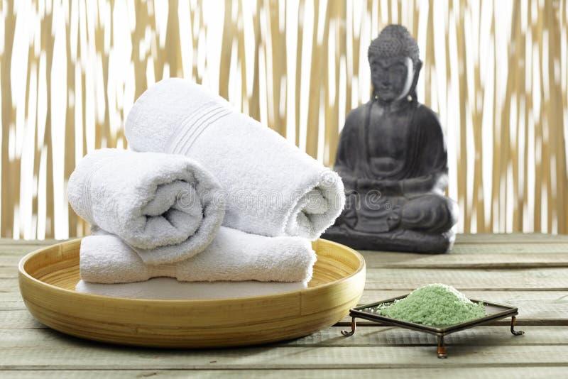 Bhuddha, ręczniki, kąpielowe sole fotografia royalty free