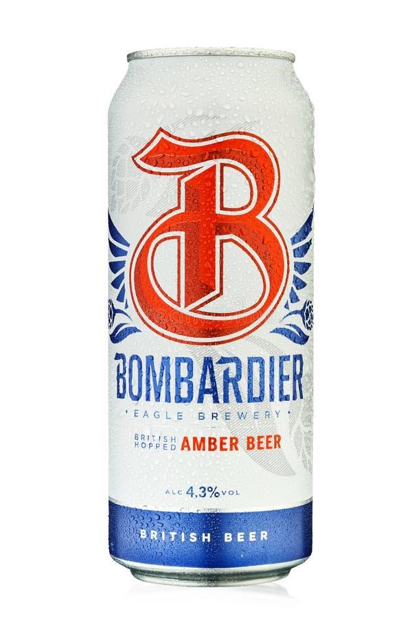 Bière Bombardier du producteur Wells & Young`s, Royaume-Uni Anglais Isolé sur blanc Chemin d'accès de découpage images stock
