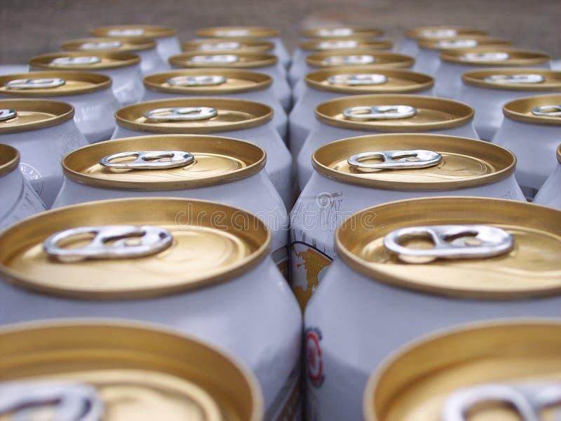 Bière dans la ligne images stock