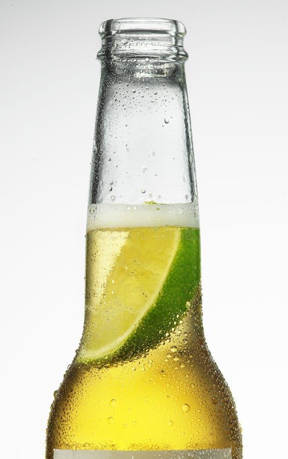 Bière et limette photo stock