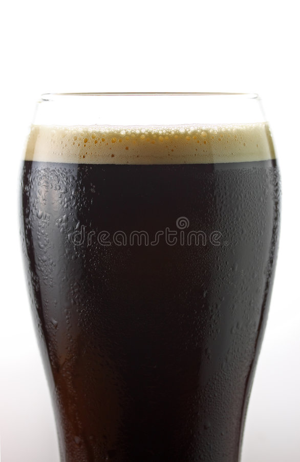 Bière irlandaise froide photo stock