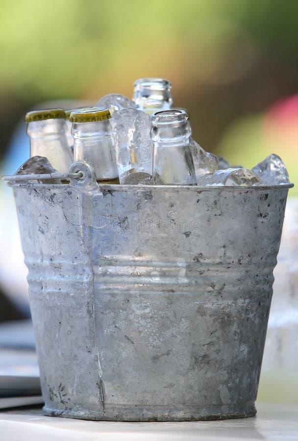 Bières dans le barillet images stock