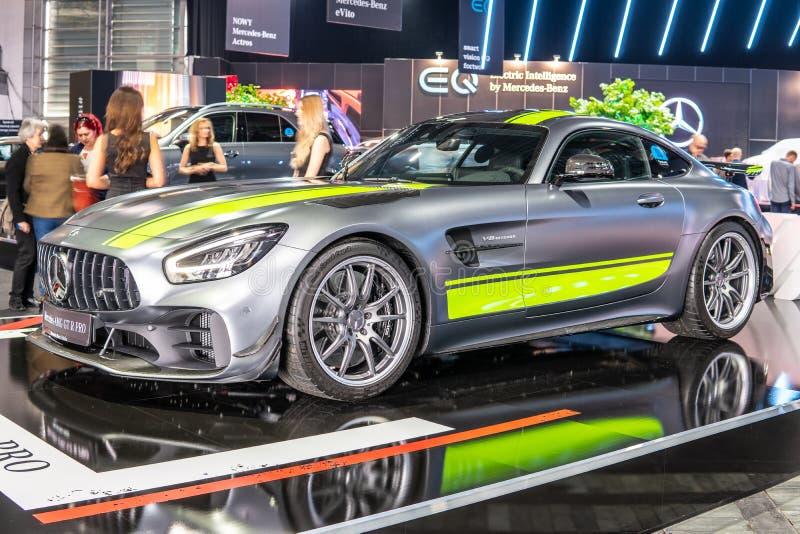 Bi-turbocompressor de V8 da barata de Mercedes-AMG GT R PRO com M178 o motor, carro desportivo de capacidade elevada produzido po fotos de stock royalty free
