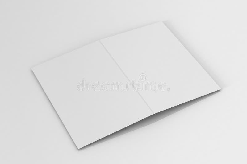 Bi-veck A5 broschyr/broschyrmodell på isolerad vit bakgrund royaltyfri fotografi
