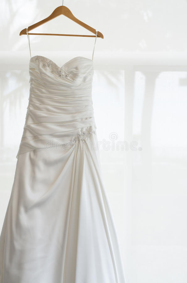 Biała ślubna suknia dla panny młodej obrazy royalty free