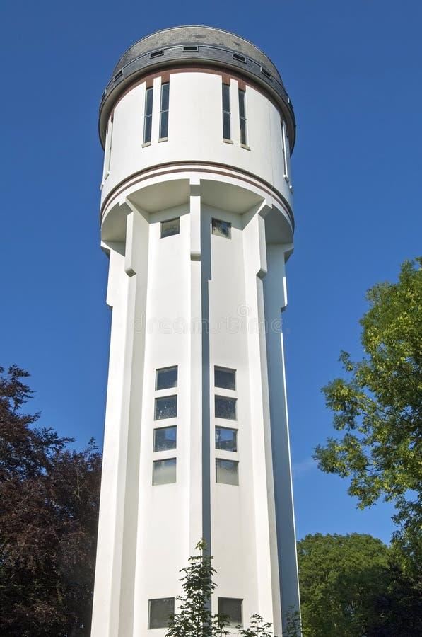 Biała antyczna holenderska wieża ciśnień w Brielle fotografia stock