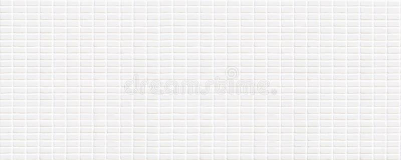 Biała ceramiczna płytka z bardzo małymi prostokątami w kwadrat formie zdjęcie royalty free