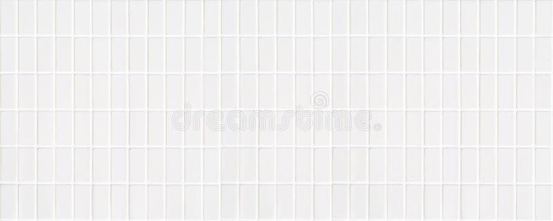 Biała ceramiczna płytka z bardzo małymi prostokątami w kwadrat formie obraz stock
