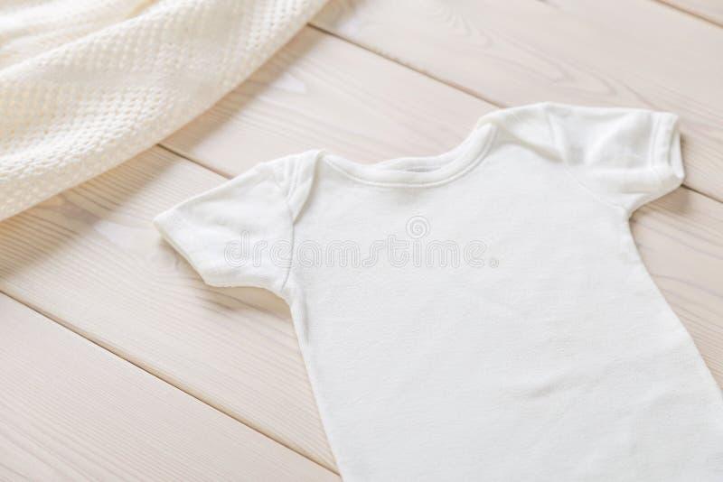 Biała dziecko koszula fotografia stock