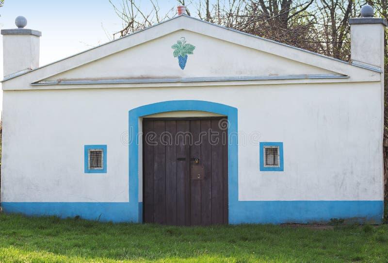Biała fasada wino loch obrazy royalty free