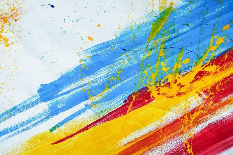 Biała kanwa z czerwonymi błękitnymi i żółtymi szczotkarskimi uderzeniami Tekstura lub tło obraz stock