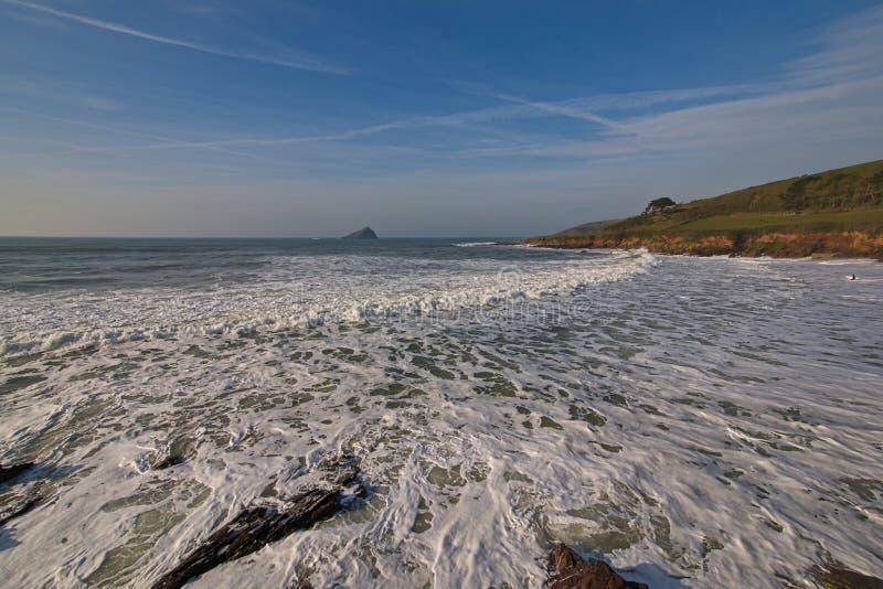 Biała kipiel na Wembury plaży zdjęcia royalty free
