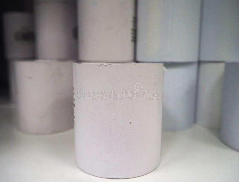Biała kwitu papieru rolka zdjęcia stock