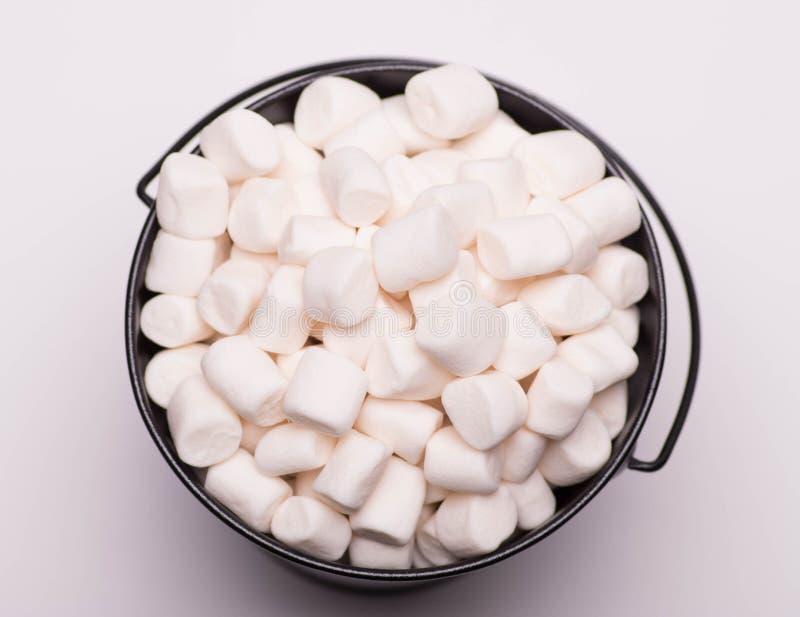Biała mini marshmallows tła zakończenia tekstura Karmowy Backgr zdjęcia stock