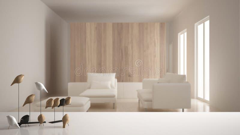 Biała półka z minimalistic ptasim ornamentem lub, ptaszyna drobiażdżek nad zamazanym współczesnym żywym pokojem, nowożytny inter obraz stock