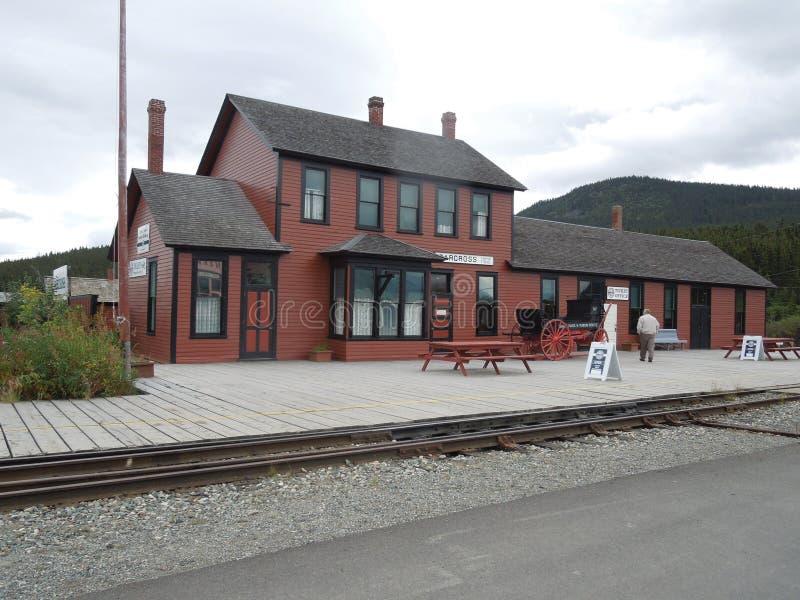 Biała przepustka & Yukon trasy zajezdni Kolejowy â€' Carcross, Yukon, Kanada obrazy royalty free