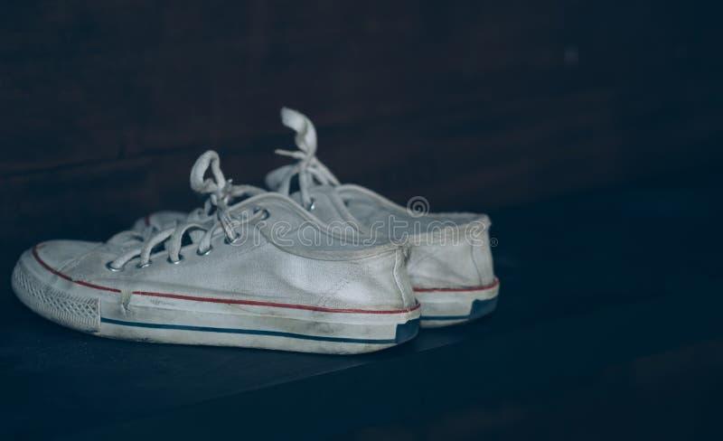 białe adidasy obraz royalty free