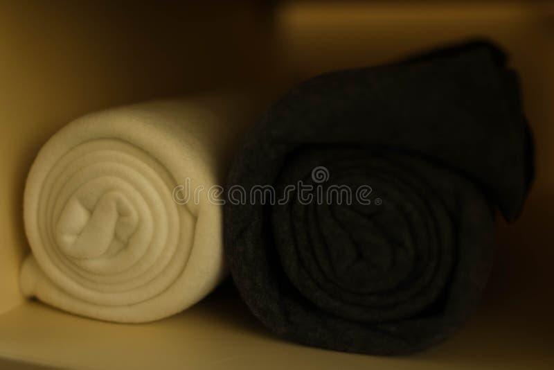 Białe i szare szkockie kraty składająca rolka obrazy royalty free