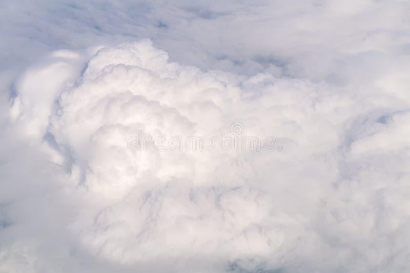 Bia?e rozsypisko chmury Przegl?da? z g?ry obrazy royalty free