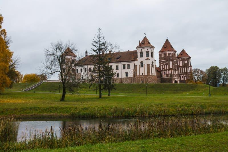Białoruś, Grodno region, 23, Październik, 2015: Mir kasztel zdjęcie royalty free