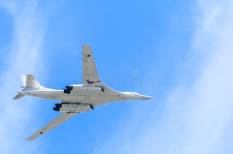 Biały łabędź Rosyjskiego samolotu wojskowego naddźwiękowa bombowiec obrazy stock