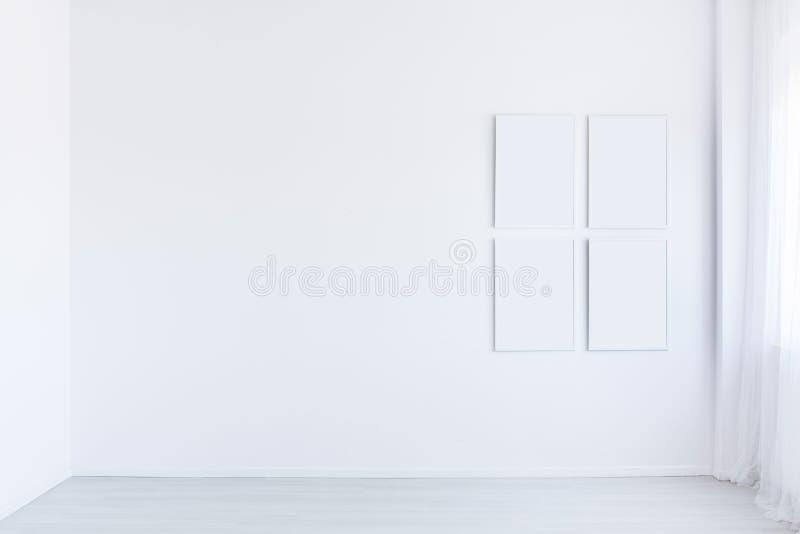 Biały autystyczny dziecka ` s pokój zdjęcia stock