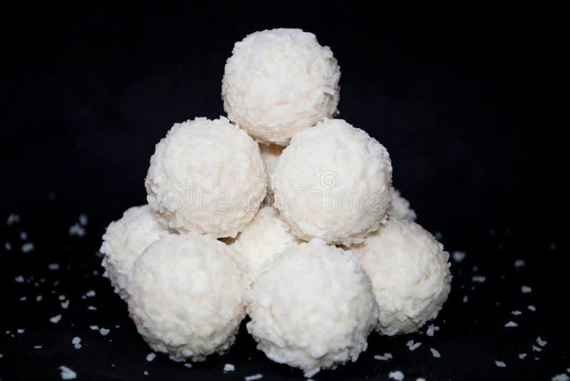 Biały cukierek z koksem zdjęcie stock