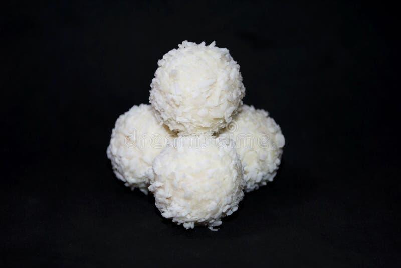 Biały cukierek z koksem obrazy stock