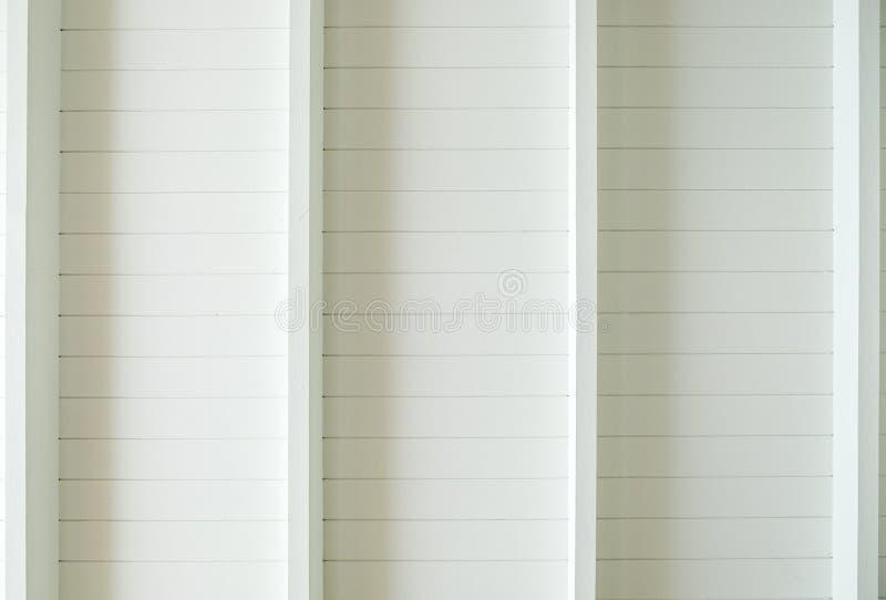 Biały drewniany deska dach fotografia royalty free