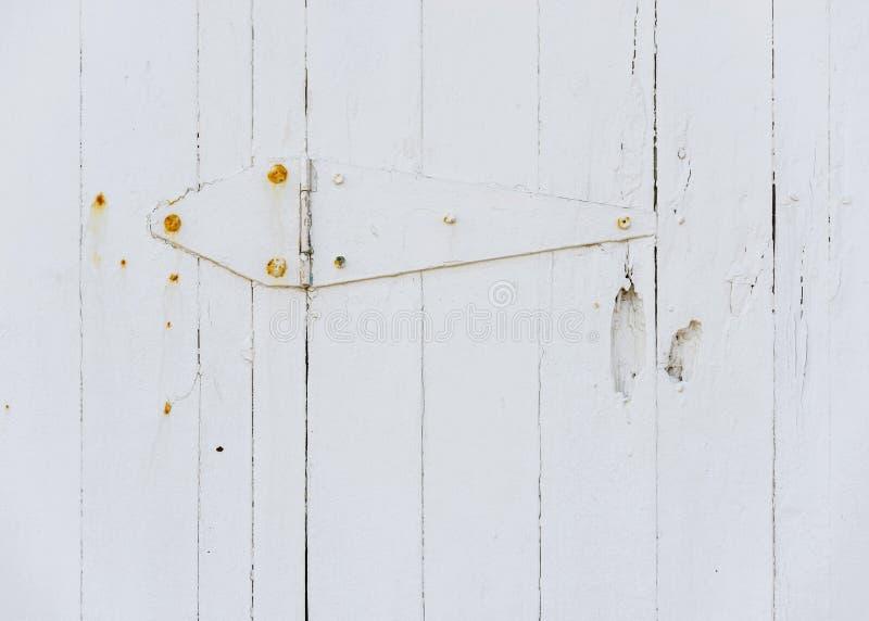 Biały drewniany drzwiowy zawias obraz royalty free