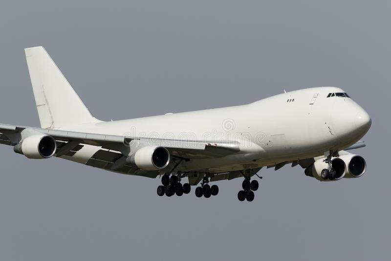 Biały freighter jumbo jet obrazy stock