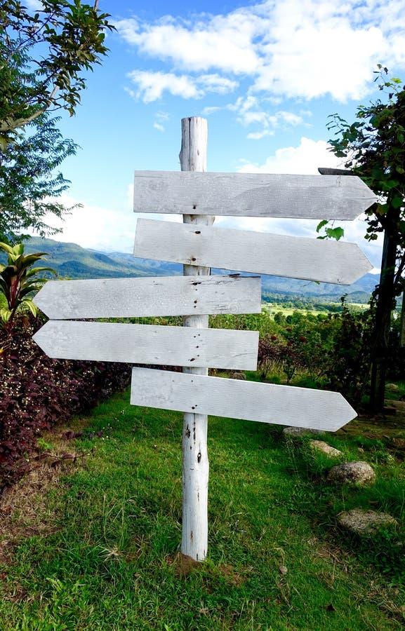 Biały guidepost fotografia stock
