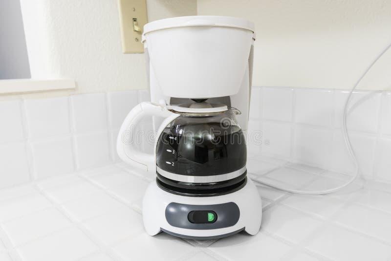 Biały kawowy producent fotografia stock