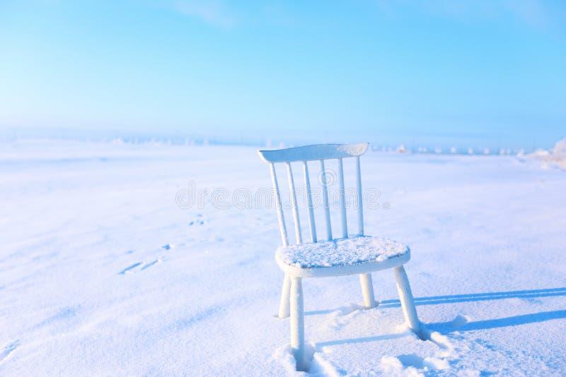 Biały krzesło zdjęcia stock