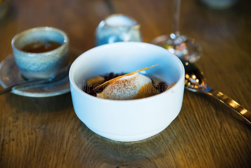Biały lody, kawa zdjęcia royalty free